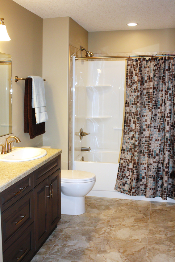 Country Living Main Bath 2