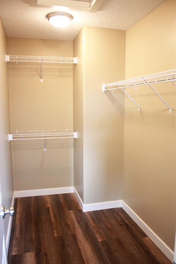 Country Living Walk In Closet