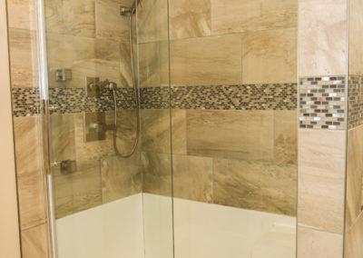 Walkout-Bungalow-Shower