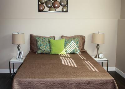 abba-rock-bedroom-down