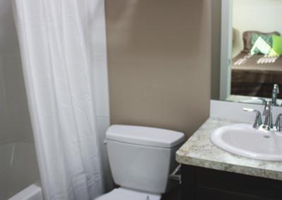abba-rock-down-bathroom1